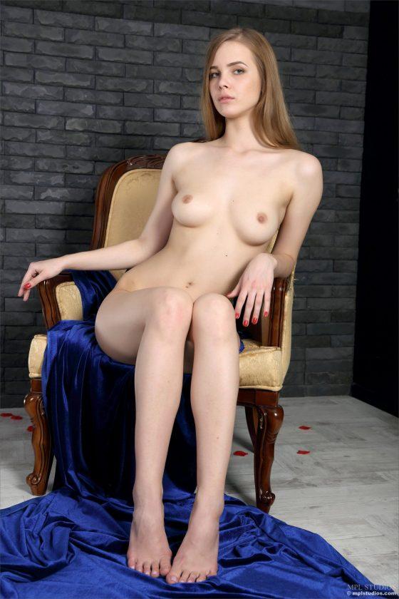 Carolina Nude In Mademoiselle Bleu II MPLStudios Model Pics